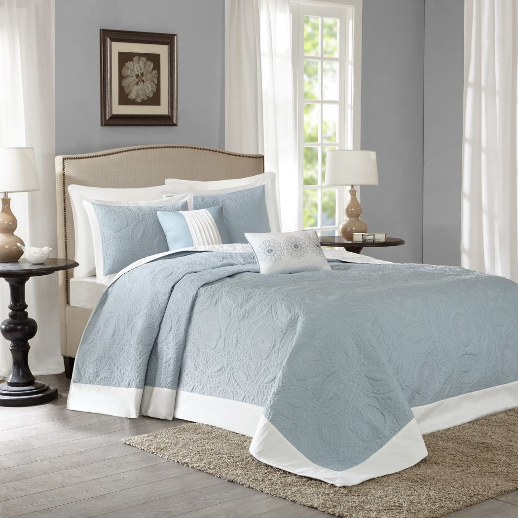 Oversized Bedspread Floor Extra Long Floral Bedding Extra Wide Drops Over Edge Frame Drapes Down Sides Hangs Over Bed Touches Flooring Microfiber