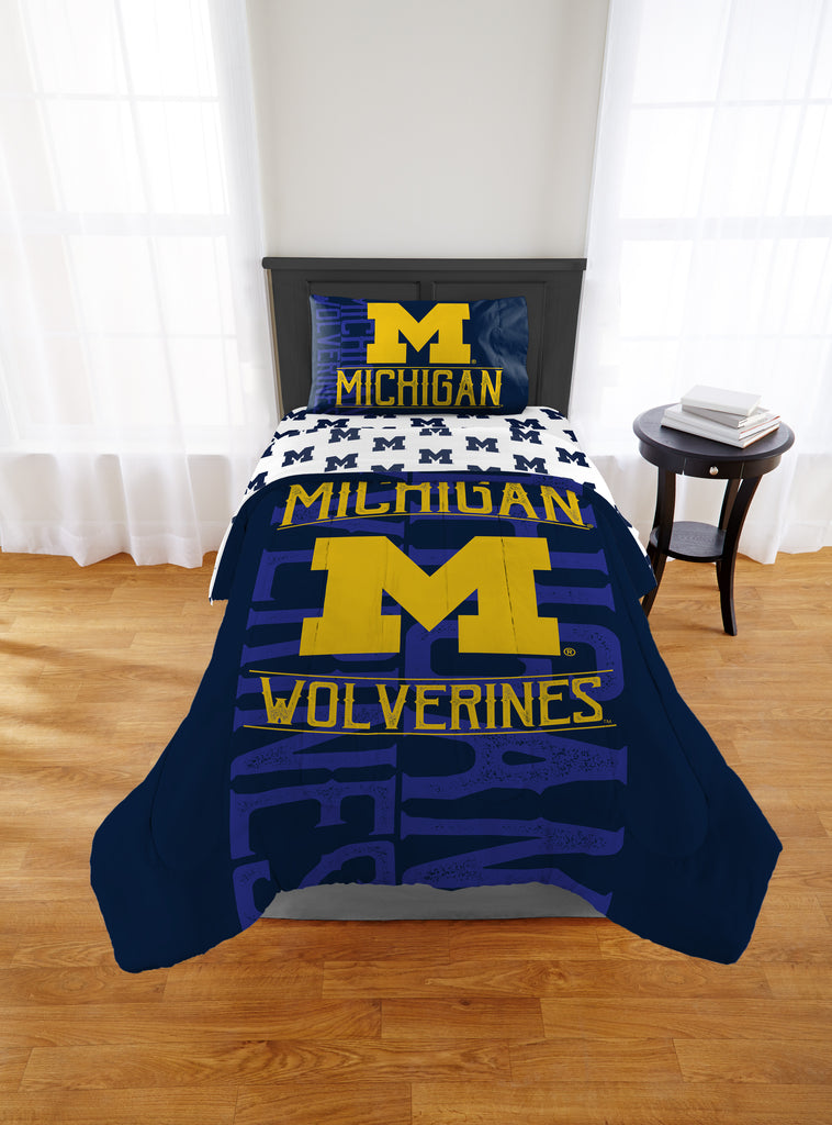 NCAA University Michigan Wolverines Comforter Twin/Full Sports Patterned Bedding Team Logo Fan Merchandise Team Spirit College Basket Ball Themed Blue