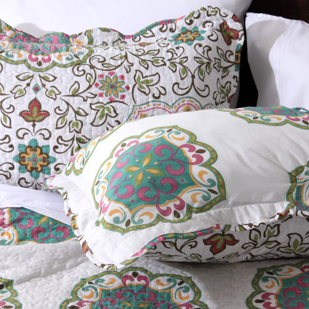 Floral Quilt Set Flowers Geometric Nature Paisley Patchwork French Country Bedding Microfiber