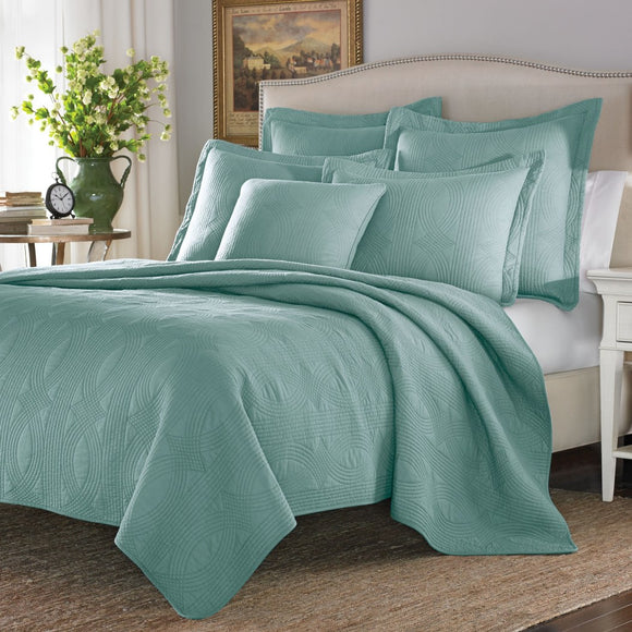 Oversized Bedpsread Drops Over Edge Extra Wide Bedding tra Length Hangs Down Side Bed Frame Lightweight Summer