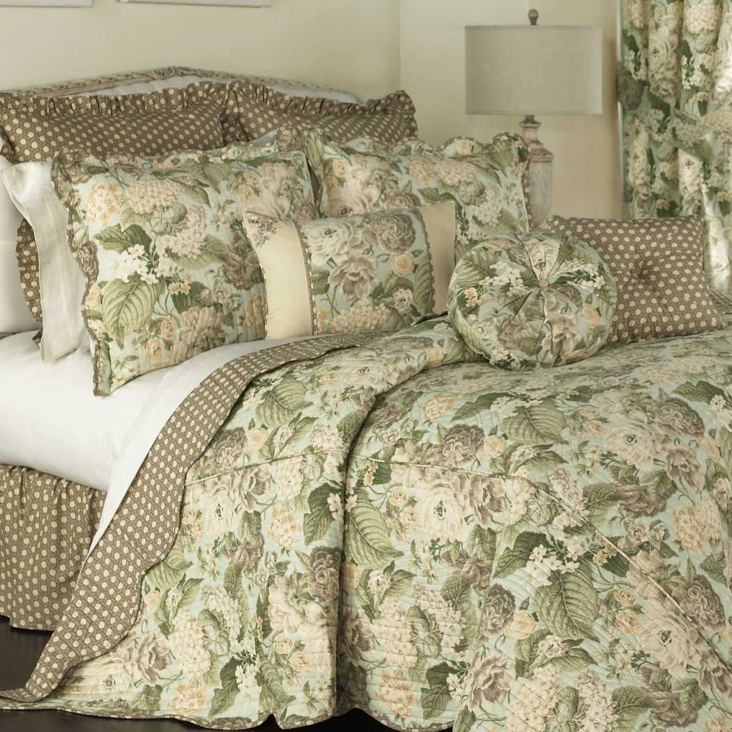 Bedspread Set Floral Pattern Flower Bedding Pretty Garden Themed Polka Dot Leaves Blossom Nature Scalloped Cotton