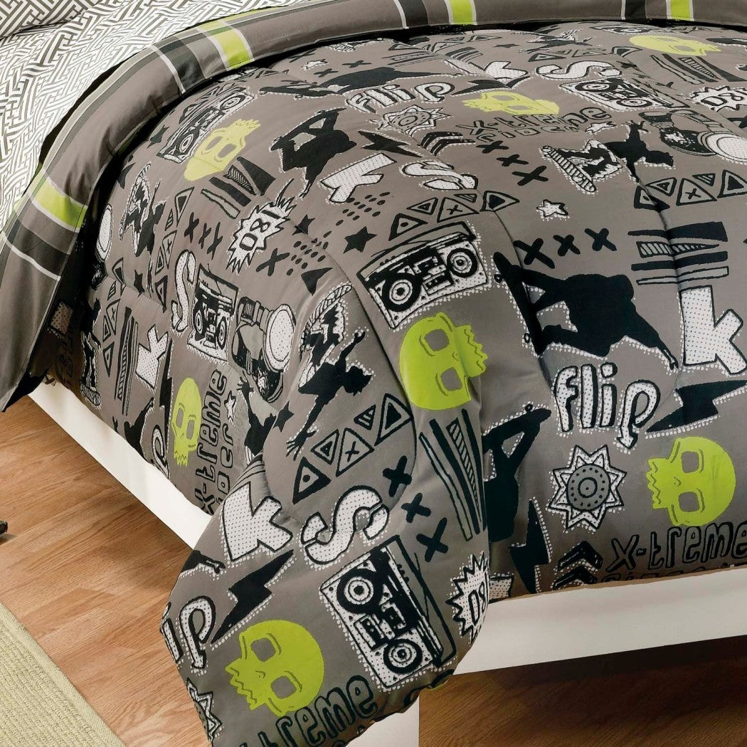 Boys Grey Extreme Sports Comforter Twin Set Stylish Stripes Skulls Skateboarder Bedding Xtreme Skate Sport Skull Striped Themed Verticle Stripe Fret - Diamond Home USA