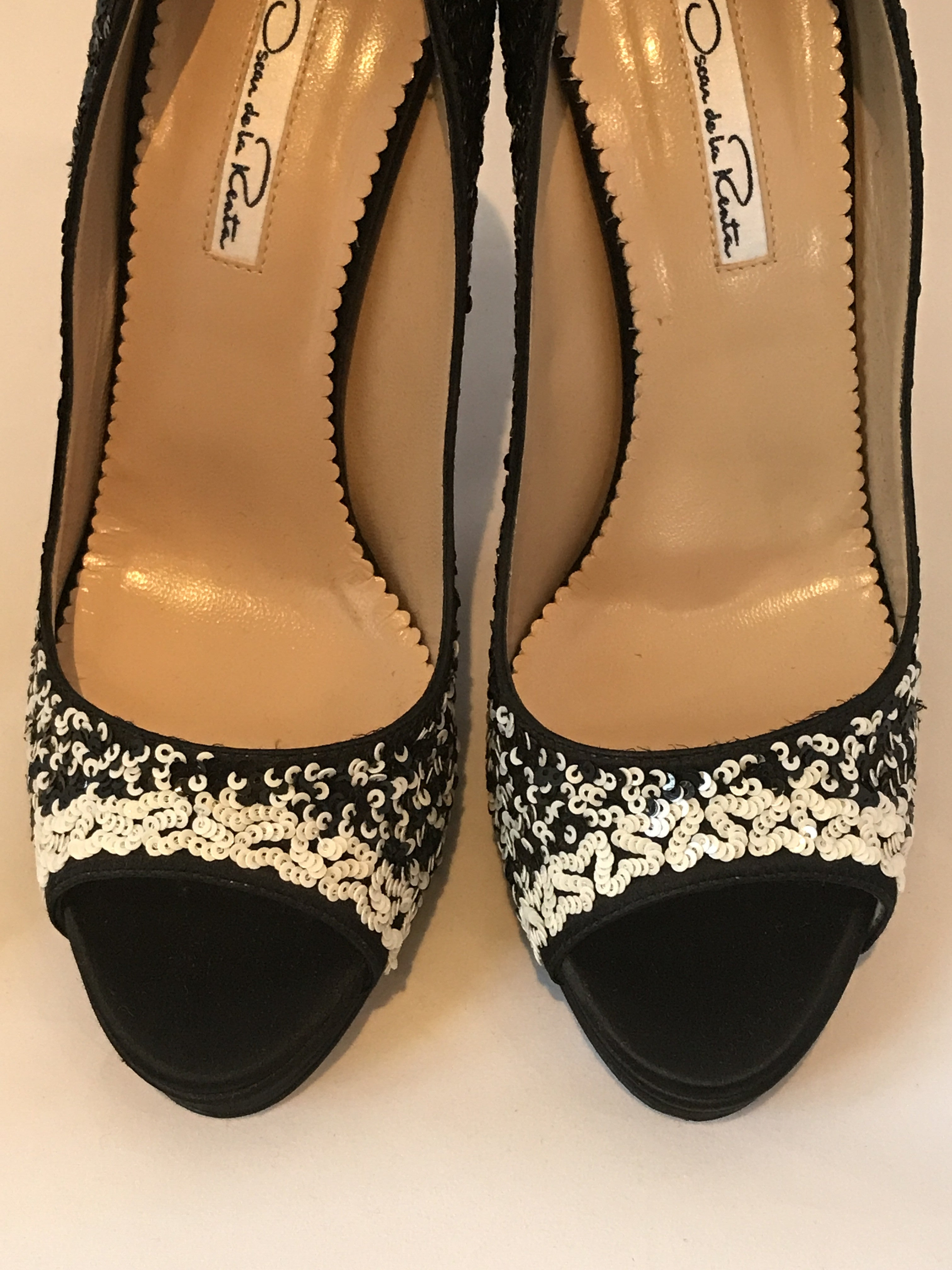 Oscar de la Renta Black Satin Sequin Pump<br> Size 39