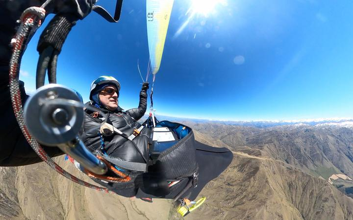 Ozone NZ Team flyer & National Champion sets new record in the air