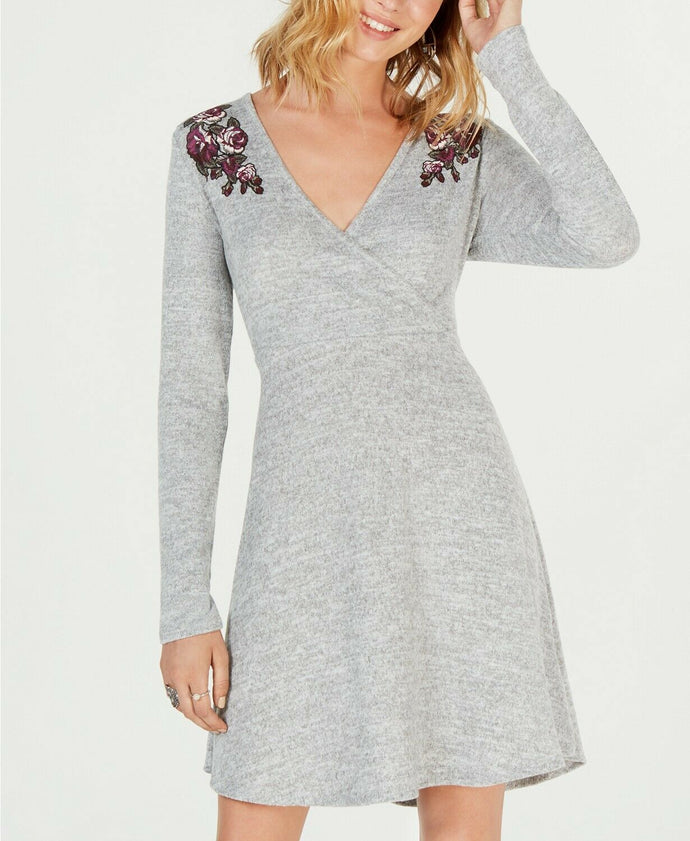 ULTRA FLIRT JUNIORS WOMEN GRAY FLORAL SURPLICE FIT & FLARE DRESS