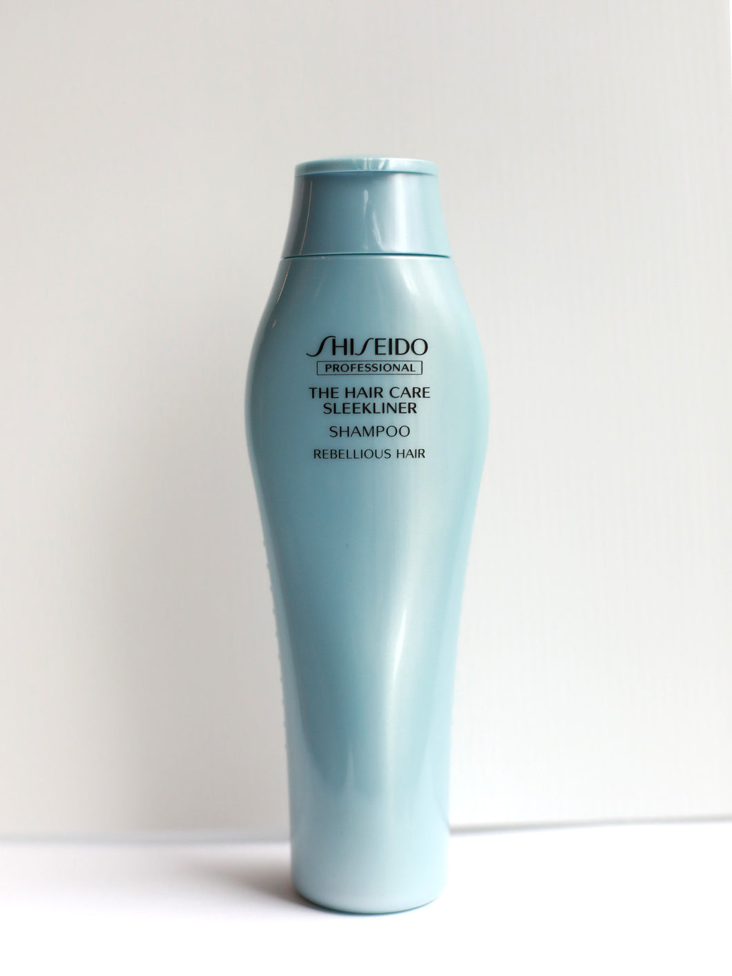 SHISEIDO THE HAIR CARE SLEEKLINER Shampoo for Rebellious Hair