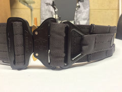 FRV Tailoring met grey shooters belt with a D ring.
