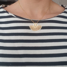 Leque Necklace