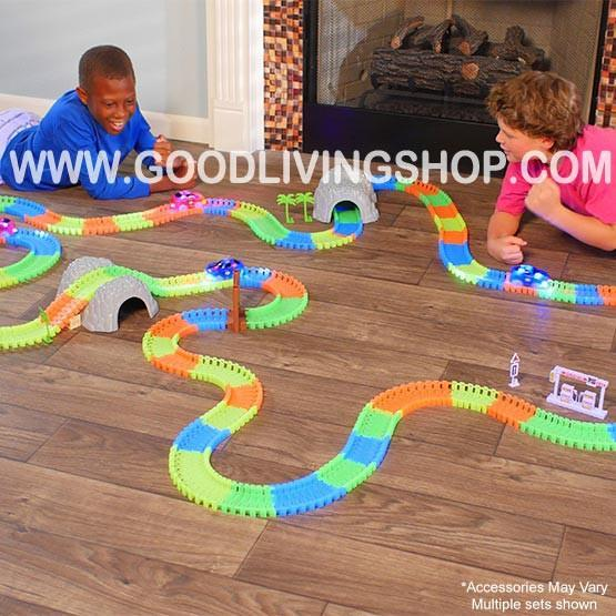 'Glow Tracks' Racing Set