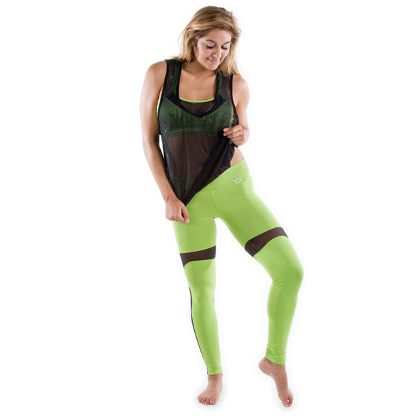 GREEN YOGA FITNESS LEGGINGS PANTS WITH BLACK MESH TANK TOP OUTFIT
