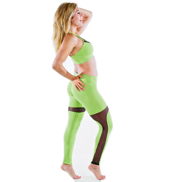 GREEN YOGA WORKOUT LEGGINGS PANTS WITH GREEN SPORTS BRA MATCHING OUTFIT