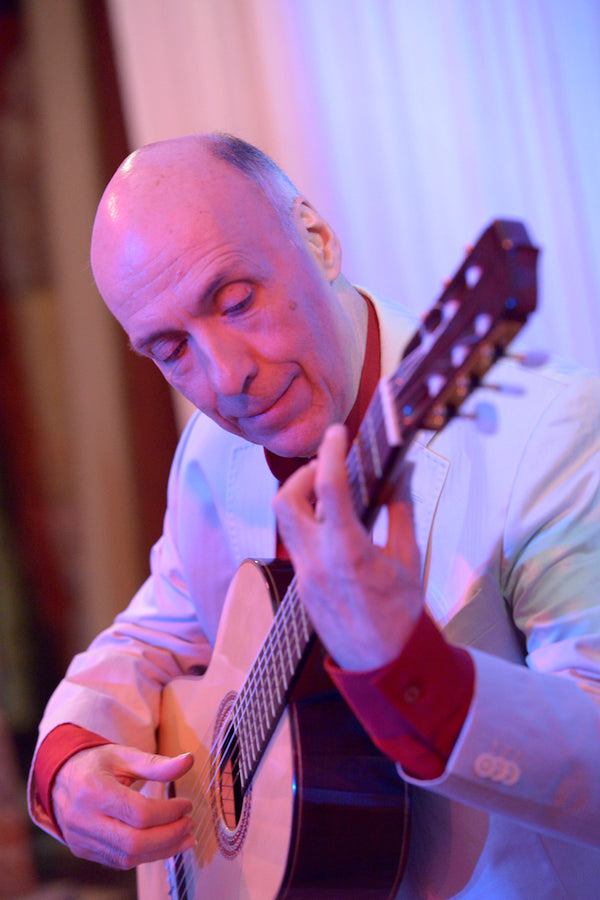 Muso Mirror Interviews: Classical Guitarist Carlos Bonell