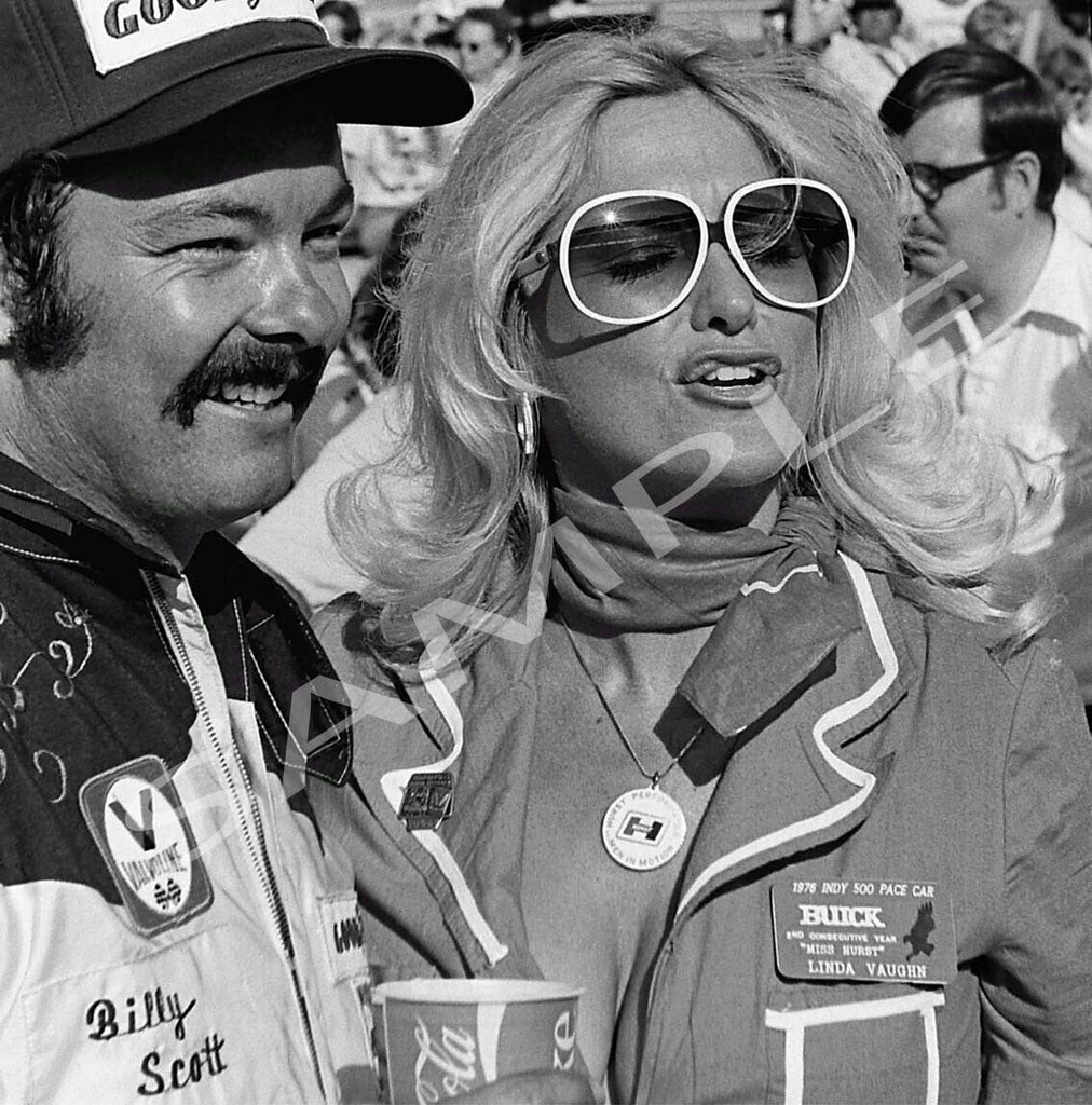 "8 x 10"" B&W Photo Of Linda Vaughn-Billy Scott at the 1976 Indy 500"