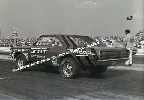 "4 x 6"" Glossy  Photo of The Gratiot Auto Supply Dodge At The 70 Nationals at Indy"