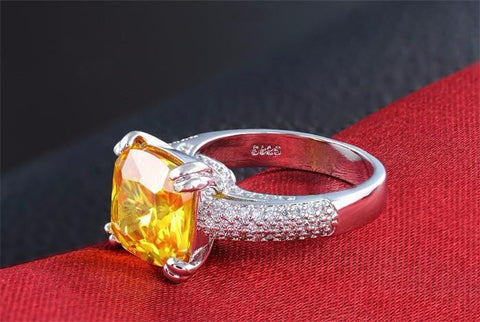 Glittering 925 Sterling Silver Yellow American Diamond Ring