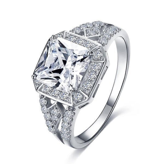 Exquisite American Diamond Platinum Ring