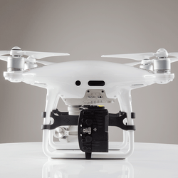FoxFury RUGO Light System for DJI Phantom 4 has strobe
