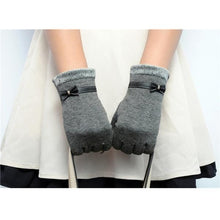Load image into Gallery viewer, Classic Cute Cashmere Women Screen Texting Wrist Gloves- Grey - Less+mORE