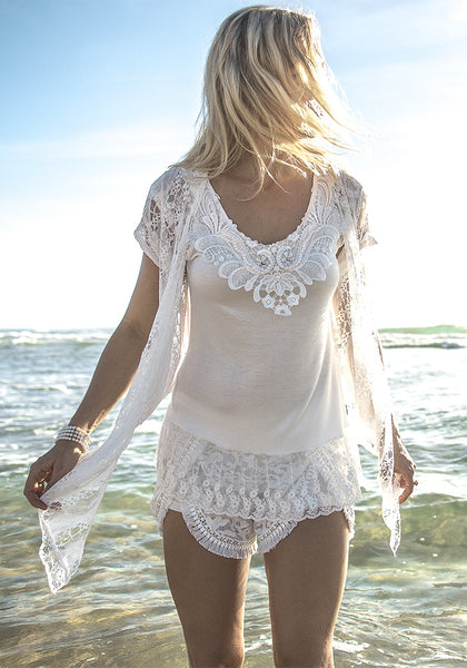 Pretty lace top sweet tee pearls collar beautiful flowy shirt