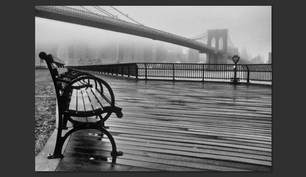 Carta da parati - A Foggy Day on the Brooklyn Bridge
