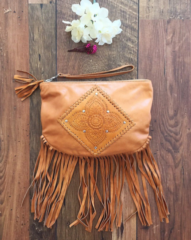 www.nakoaclothing.com.au MAHIYA LEATHER CLUTCH BAG IN TAN WITH FRINGE