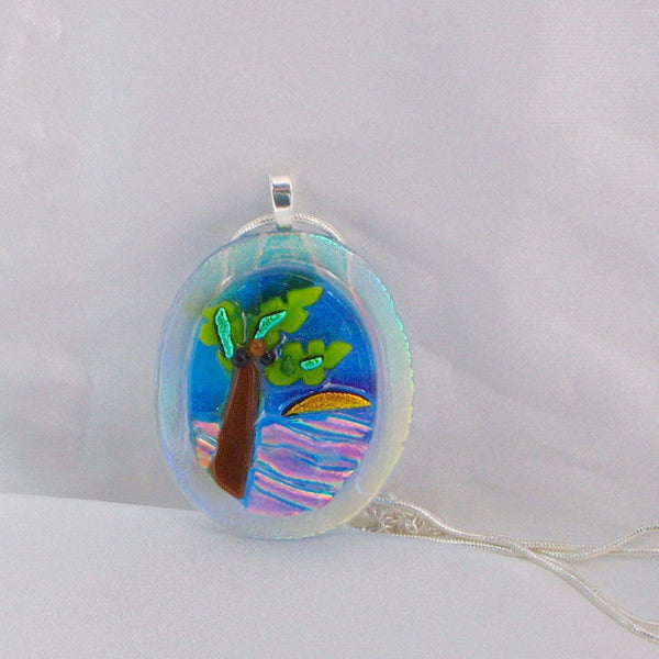 Even in subdued lighting this pendant shimmers with color.