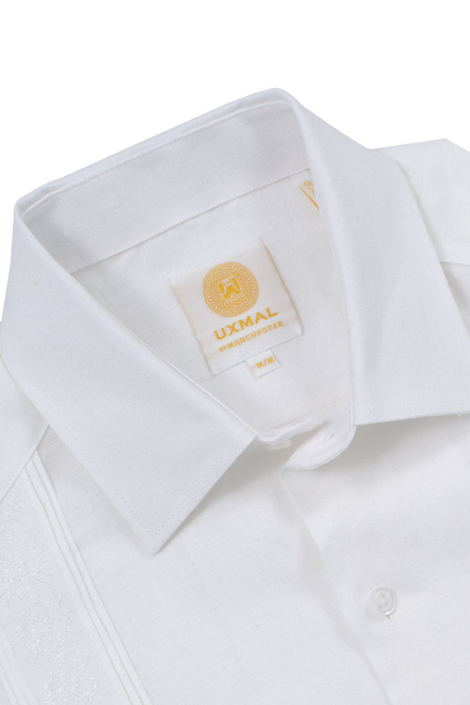 Regular corte 4 pocket elegant wear linen guayaberas akumal embroidery blanco