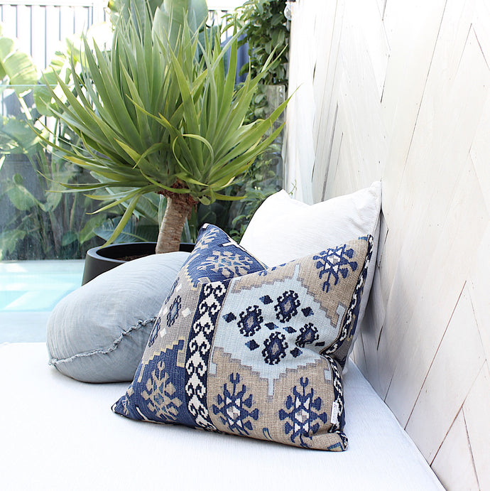 Aztec Cushion  (inc Gst)