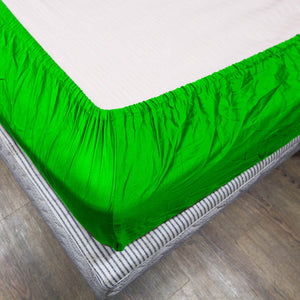 Comfy Solid Sateen Fitted sheet Parrot Green