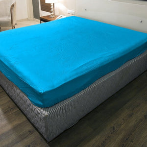 Turquoise fitted sheet