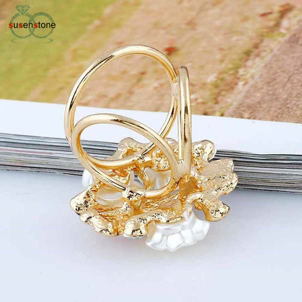 Flower Pearl Tricyclic Scarf Buckle Brooch