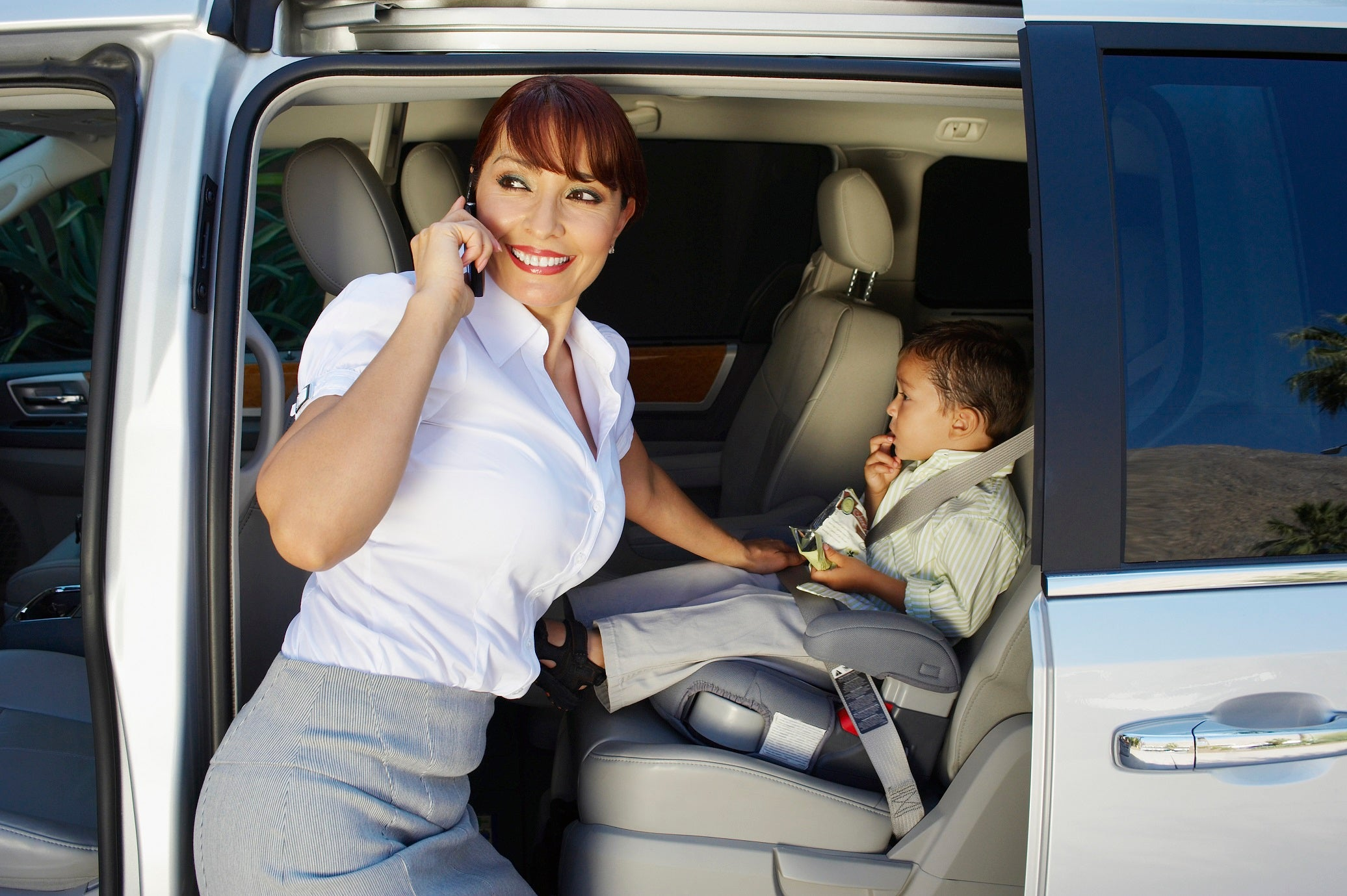 9 Awesome Car Gadgets for Moms