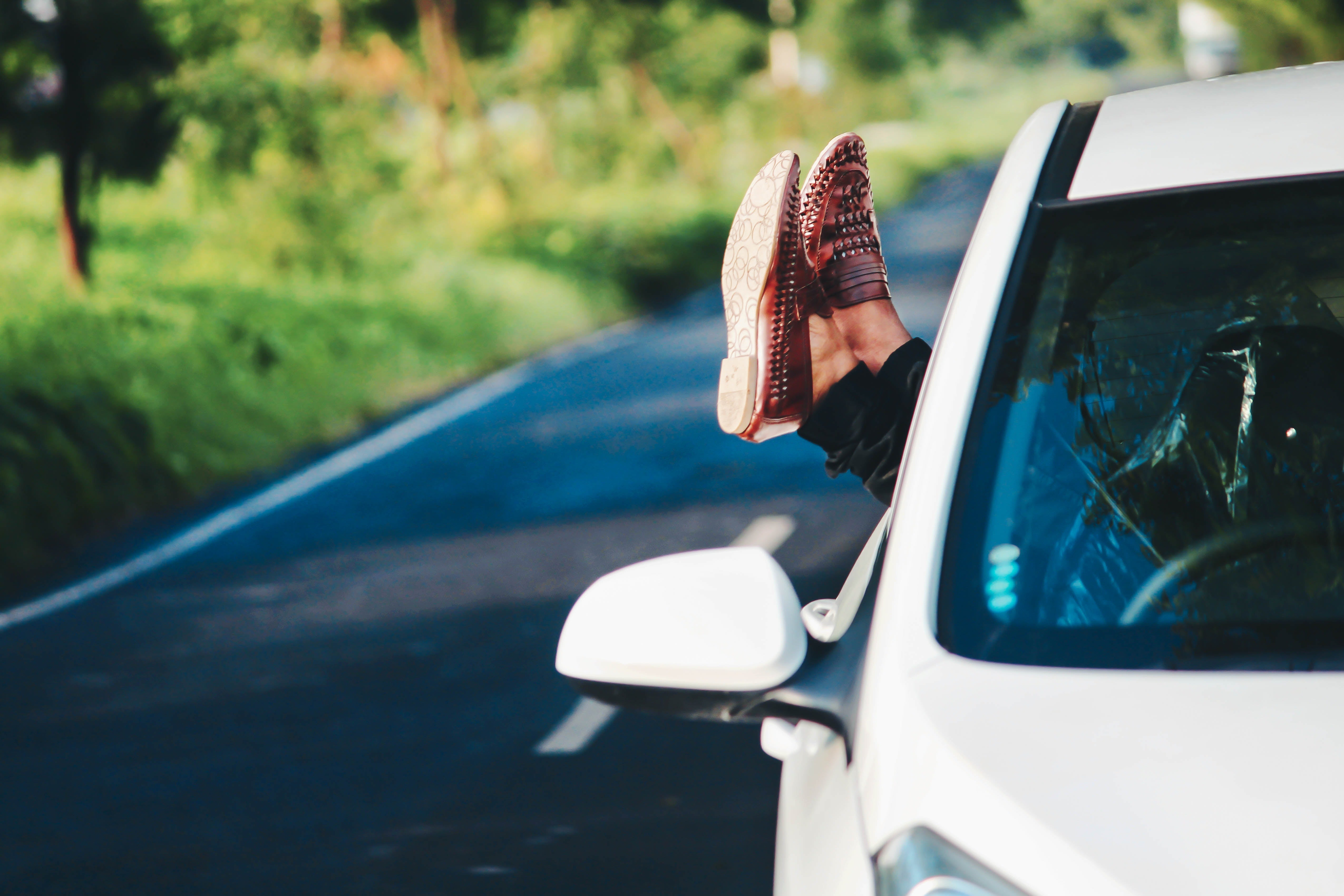4 Essentials to Survive any Road Trip