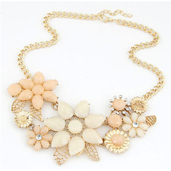 Beautiful Flower & Charm Necklace