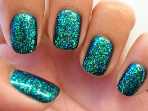 DIP Holographic Glitter Nails