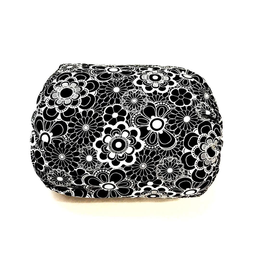 Mamma-pillo ECO Black and White Flowers Additional Cover