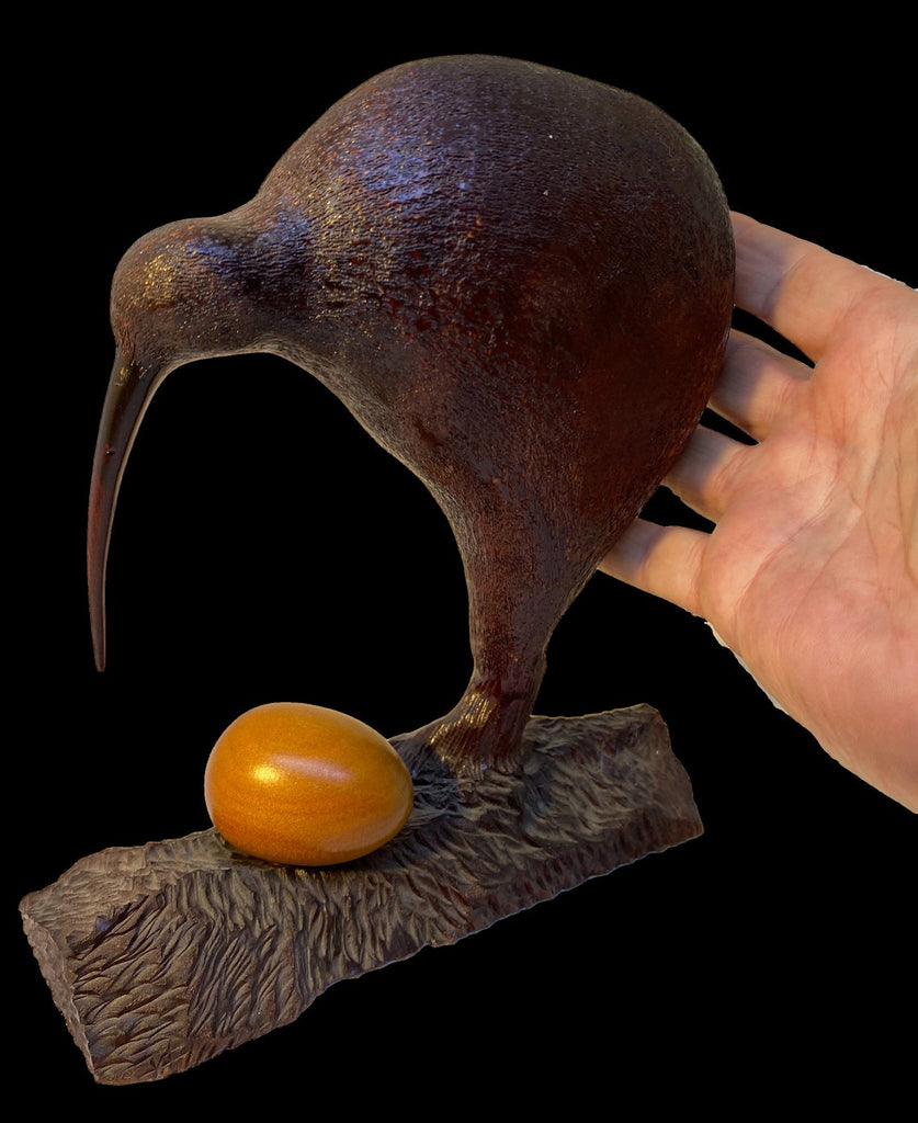 New Zealand Kauri Wood Kiwi Bird. Wood Carbon dated over 5,000 Yrs Old with Certificate Authenticity - The Walkabout Company