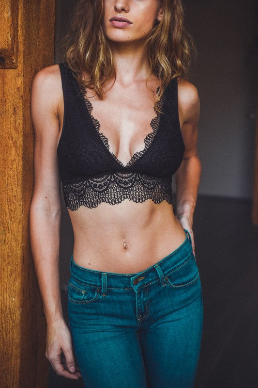 So Fine Lace Bralette Black