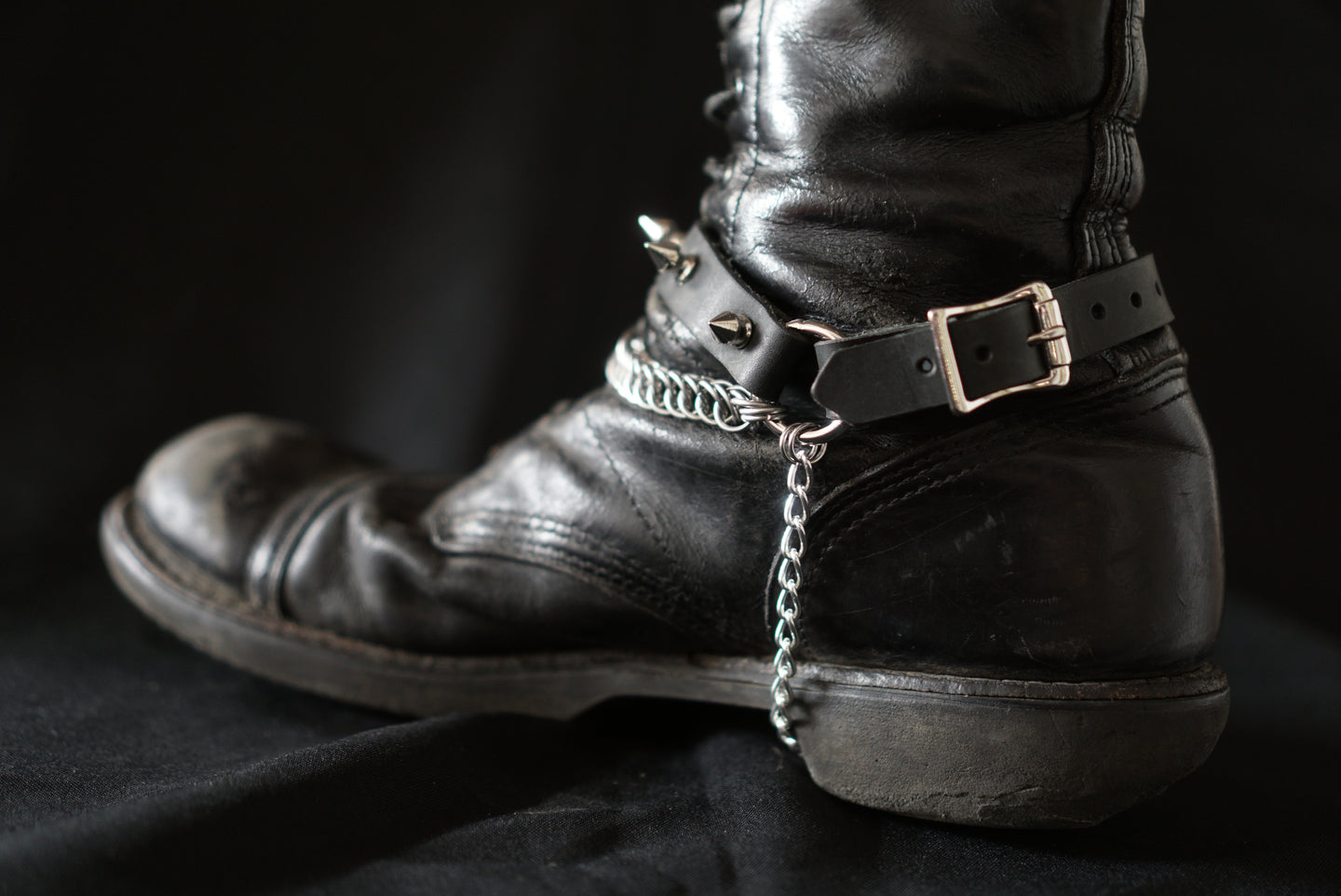 Sister Suspect Collab. Chainmaille Bootstrap - Spikes with Bondage Ring