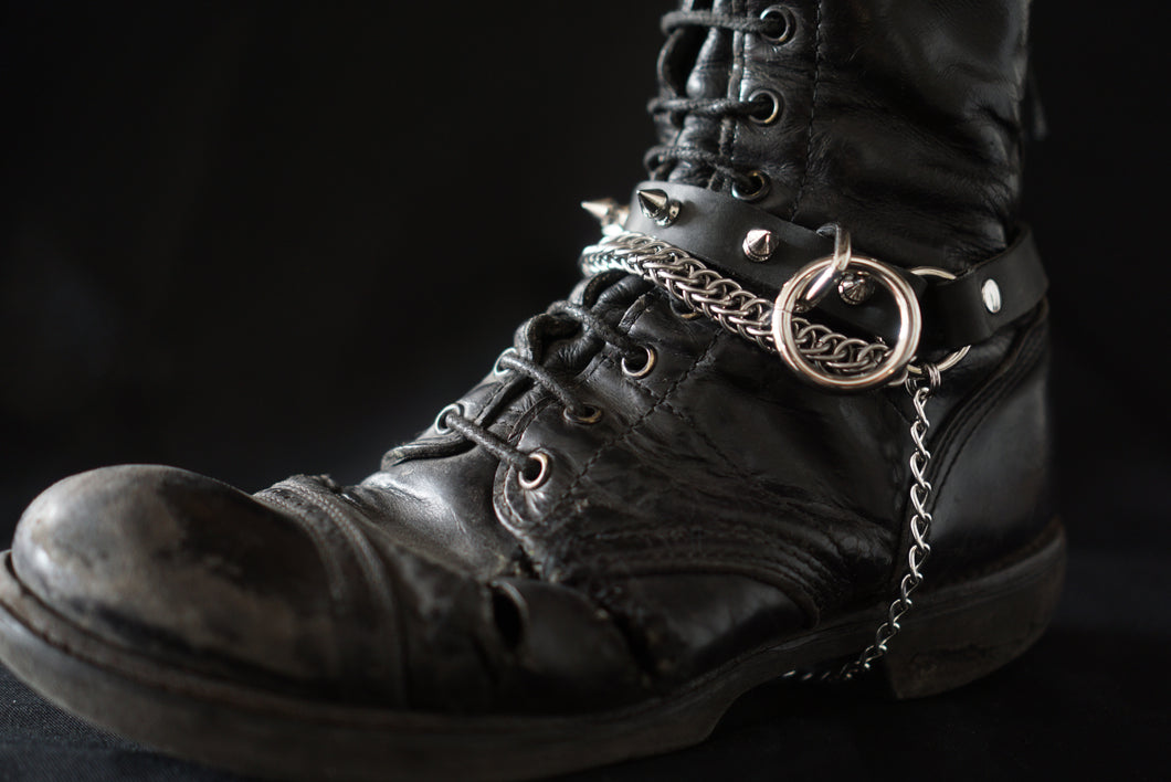 Sister Suspect Collab. Chainmaille Bootstrap - Spikes with Bondage Ring Left