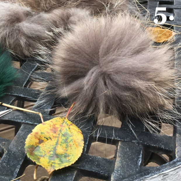 How to make a fur pom-pom