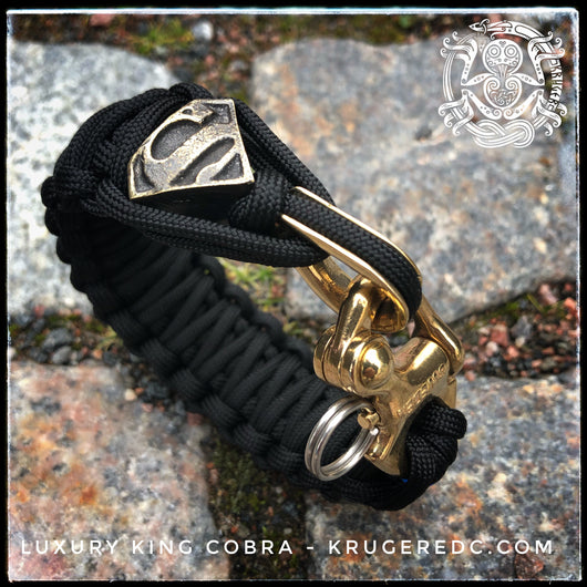 Luxury King Cobra paracord bracelet with snap shackle