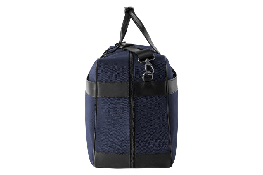 Epirus large weekend bag in blue with tennis racket