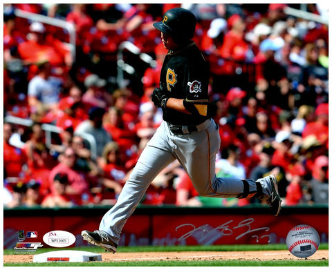 Jung-ho Kang Signed Running with Red Background 8x10