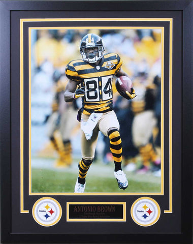 Antonio Brown Running in Bumblebee Jersey - 16x20 - Vertical Unsigned - Professionally Framed