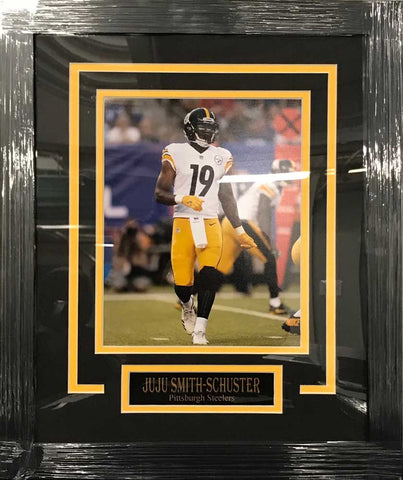 4b1abe06a JuJu Smith Schuster UNSIGNED Professionally Framed Standing in White 8x10  Photo