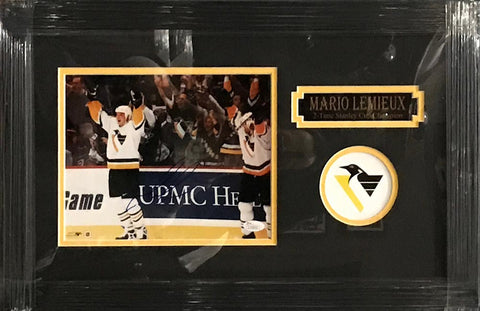 Mario Lemieux Signed Raised Hands in White 8x10 - Professionally Framed