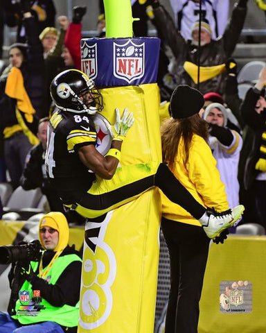 Antonio Brown Goalpost Leap - Side 8x10 Photo - Unsigned