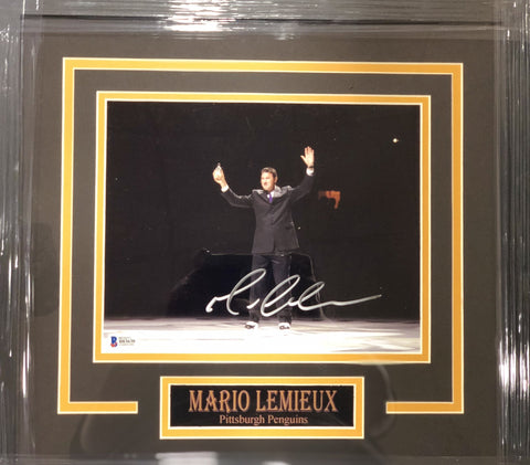Mario Lemieiux Pouring Water on Ice Signed 8x10