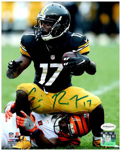 Eli Rogers Autographed Squatting on Bengal 8x10 Photo